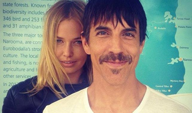 Lara Bingle and Anthony Kiedis from the Red Hot Chilli Peppers